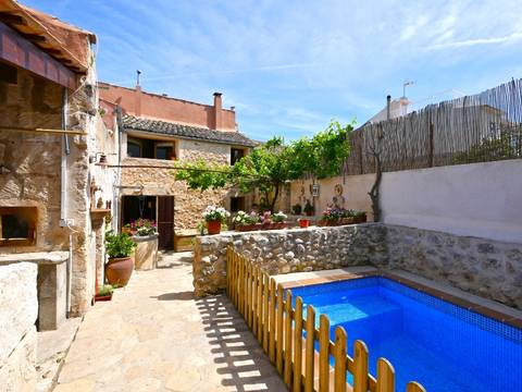 CAM2933 Townhouse for sale in Campanet - with guest annex and a lovely garden and pool