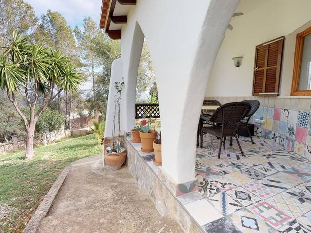 Completely renovated, Mediterranean villa with fantastic views for sale in Campanet