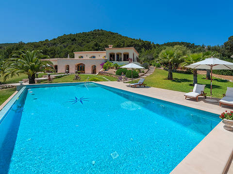 CAP40591 Impressive and luxurious country villa with fantastic sea views near delightful Capdepera