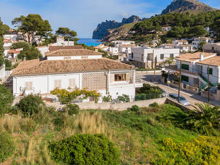 Plot with project near the beach in Cala San Vicente