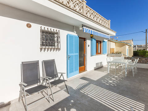 CAV11651 Perfect lock-up and go apartment just a minutes' walk away from the beach in Cala San Vicente