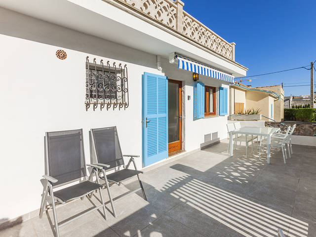 Perfect lock-up and go apartment just a minutes' walk away from the beach in Cala San Vicente