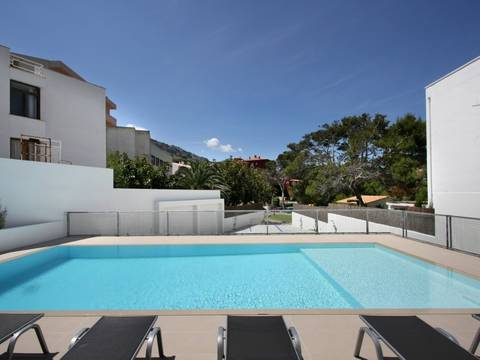 CAV11689 Ground floor apartment with sea views, seconds from the beach in Cala San Vicente