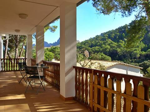 CAV40482 Ideally located villa within walking distance of the beach in Cala Sant Vicente