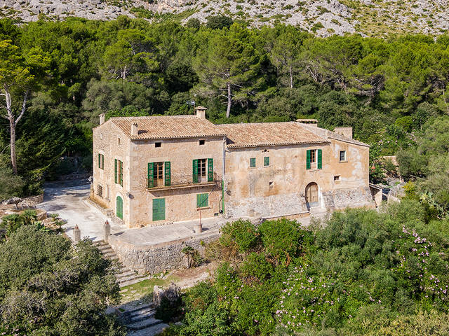 Magnificent 16th century property with lots of privacy in Cala San Vicente