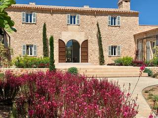 Glorious country manor, close the golf course in Portocolom