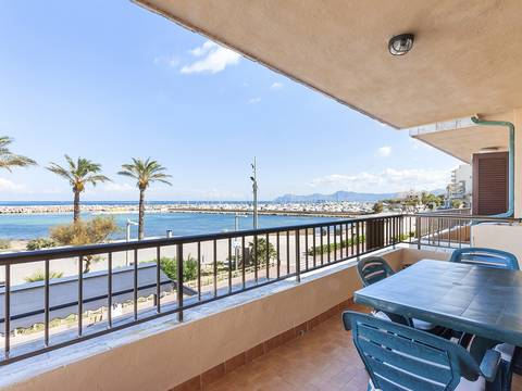 CPF11530ALC1 Attractive 3 bedroom apartment on the seafront in Can Picafort, superb views over the bay