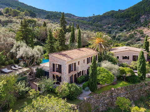 DEI52588 16th century estate in a picturesque valley between Soller and Deia