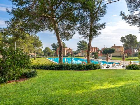 ESTRENCBUGPB Exclusive apartment complex with saltwater pool in Sa Rapita, Campos