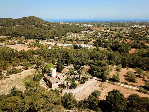 FEL52467 Sea view country property loaded with authentic features near Porto Colom