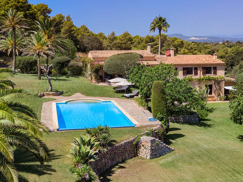 FEL52567 Magnificent modern finca with sea views from the pool near Felanitx