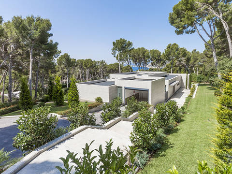 FOR40092 Spectacular modernist luxury villa for sale in Formentor with pool and sea views