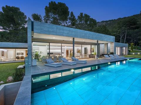 FOR40092_NEW Spectacular modernist luxury villa for sale in Formentor with pool and sea views