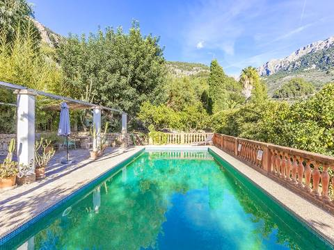 FOR52509ETV Four bedroom Mallorcan finca with stunning gardens on the outskirts of Fornalutx