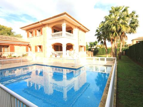 LLU40007 Beautiful villa for sale in Llucmajor in great location