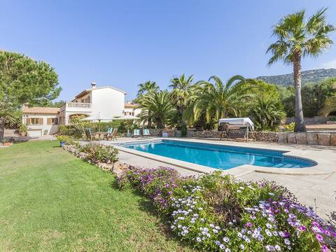 LLU40261 Spacious country villa with sea views and numerous terraces on the outskirts of Llucmajor