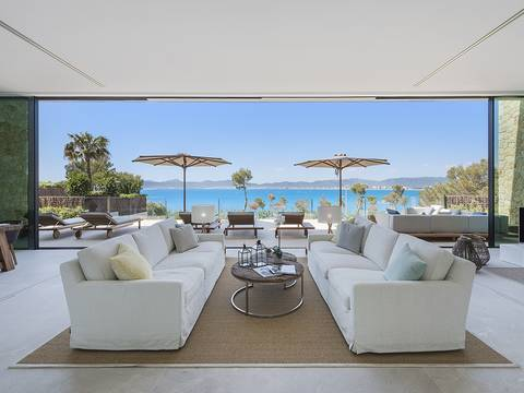 LLU40281SWO Outstanding, brand new luxury villa with awesome views on the seafront in Palma Bay