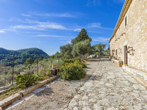 MAN52452 Impressive rustic finca with several terraces and spectacular views in Mancor de la Vall