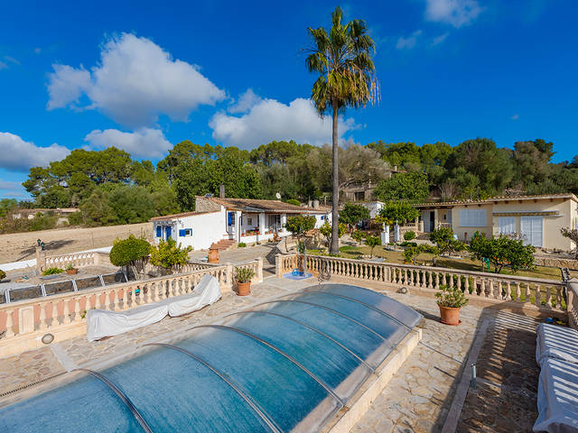 Country property with guest apartment and panoramic views in Montuiri