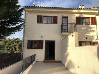 Townhouse with shared pool and garden in Moscari, Mallorca