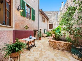 Charming village house with many authentic features and a pretty garden in Muro