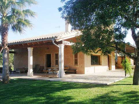 MUR5693 Charming country home with pool for sale in tranquil surroundings close to Muro