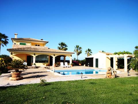 MUR5869 Pleasant Country House for sale in Muro with private garden and swimming pool