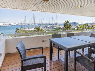Luxury apartment with sea views and communal pool on the roof terrace, Palma