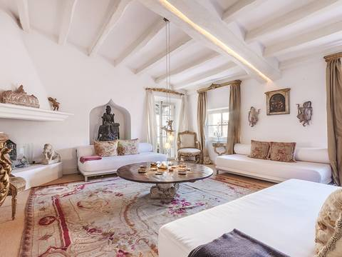 PAL11547 Stunning apartment in a fully renovated city palace in the old town of Palma