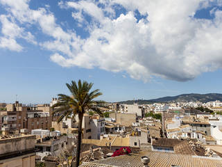 Elegant, 6 bedroom duplex apartment for sale in central Palma with views to the Bellver Castle