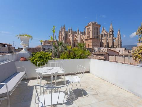 PAL20052 Large town house for sale in Palma with beautiful panoramic views