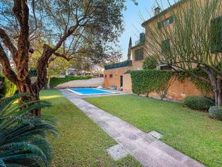 Incredibly unique 5 bedroom house, with community pool in the heart of Palma