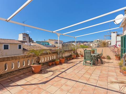 PMOPAL1035 Fantastic duplex apartment with amazing views in the trendy Santa Catalina district of Palma