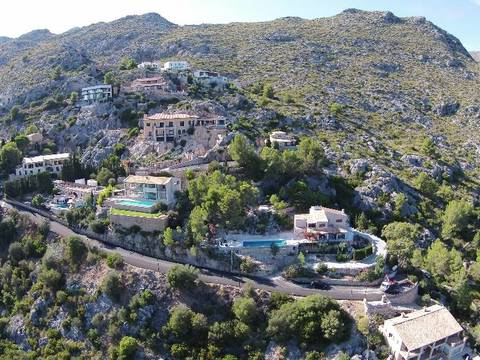 POL0318 Vacant land / plot for sale in Pollensa with stunning views