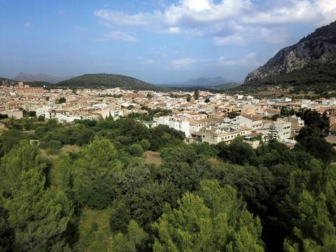POL0425 Fantastic plot for sale including building project of 350m2 on the outskirts of Pollensa
