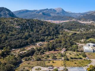 Urban plots with approved project in area with good road access near Pollensa