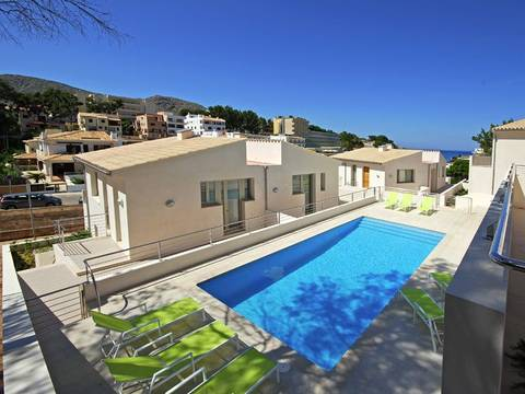 POL11096CAV1 Ideal duplex  in Cala Sant Vicente residential area with Holiday License for sale, Majorca