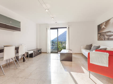 POL11535 Spacious and modern apartment near the centre of Pollensa, ready to move into!