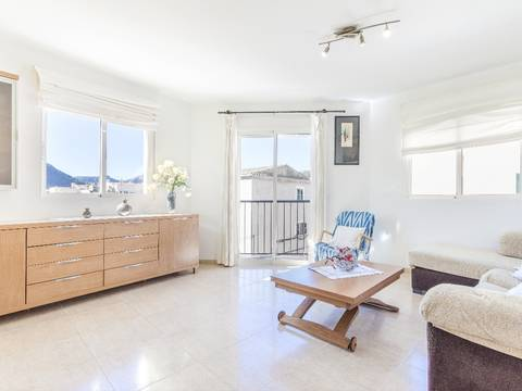 POL11586 Bright and modern three bedroom apartment with lovely views to the Puig in Pollensa