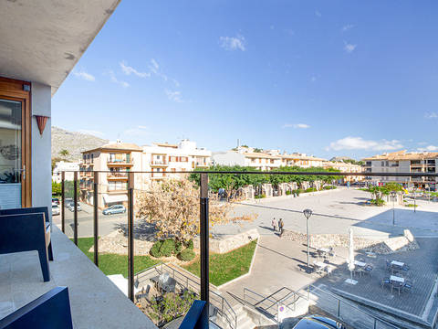 POL11643 Modern apartment overlooking the square in the heart of Pollensa old town
