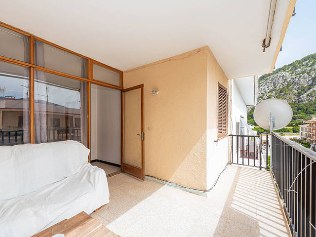 Fantastic three bedroom apartment with plenty of potential in Pollensa town