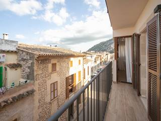 Refurbished two-bedroom apartment with garage in the heart of Pollensa