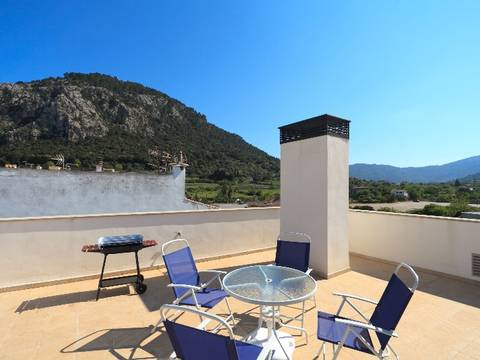POL11802 Bright 3 bedroom apartment with terrace for sale in Pollensa old town