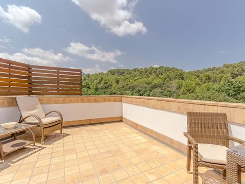 POL1302 Superb top floor apartment in Pollensa with spacious terrace offering terrific views