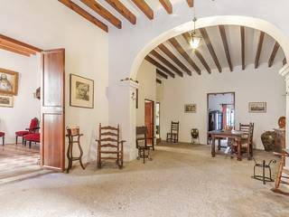 Townhouse to refurbish with a lot of potential in Pollensa