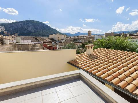 POL20021 Renovated town house for sale in Pollensa´s charming historic centre