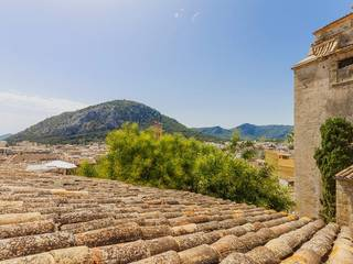 Town house in an elevated position in the picturesque village Pollensa