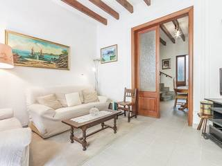 Centrally located town house in Pollensa with roof terrace, minutes from square