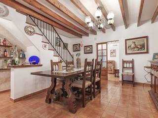 Large, 3-storey town house located in a quiet street in Pollensa old town
