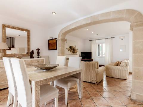 POL20110RM Lovely two storey town house with coveted rental license in Pollensa